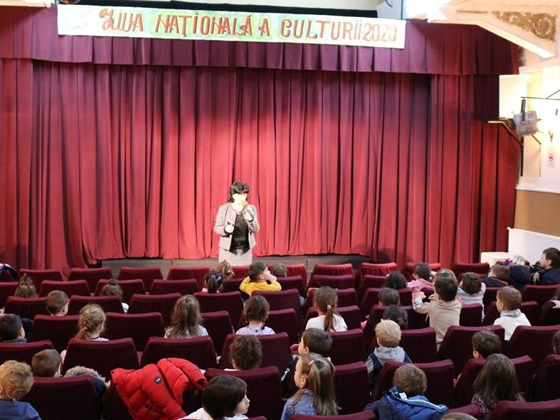 """""""Ziua Porților Deschise"""" la Teatrul de Păpuși Brăila"""
